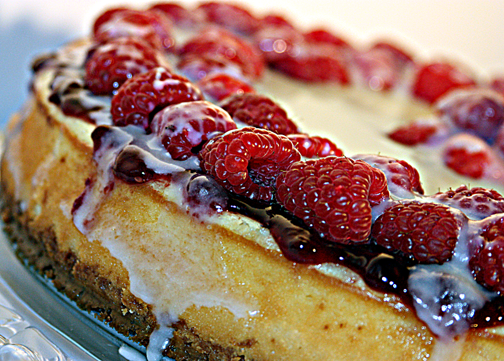 White Chocolate Cheesecake with Raspberry Topping and White Chocolate Glaze –disappearedbeforemorning