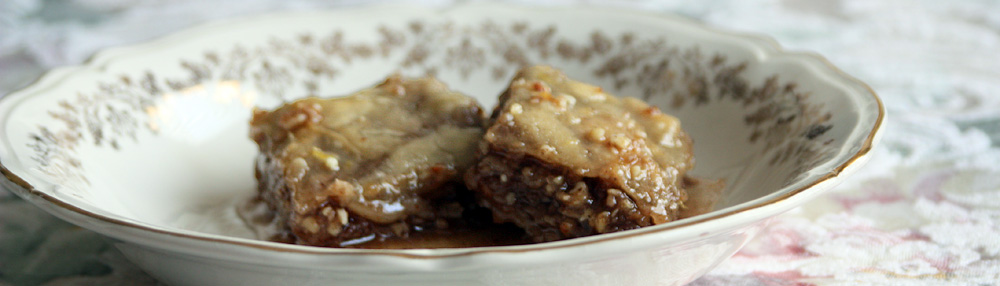 The Daring Baker's Challenge: Baklava with homemade dough