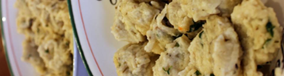 The Daring Cooks Challenge – handmade spätzle (with meatballs in cream sauce)
